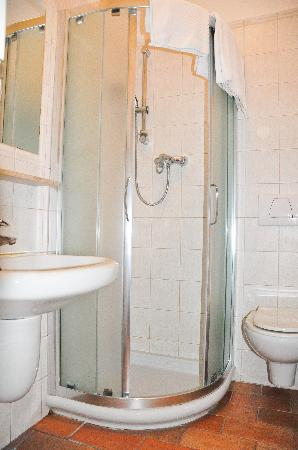 Hotel Praga 1: Room 302 - Bathroom
