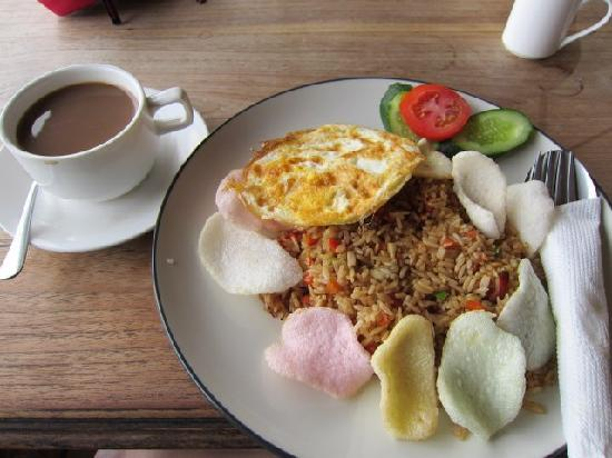 Bayu Cottages Hotel and Restaurant : Indonesian Breakfast