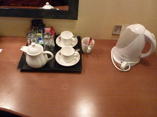 Caledonian Hotel Newcastle: Tea and coffee