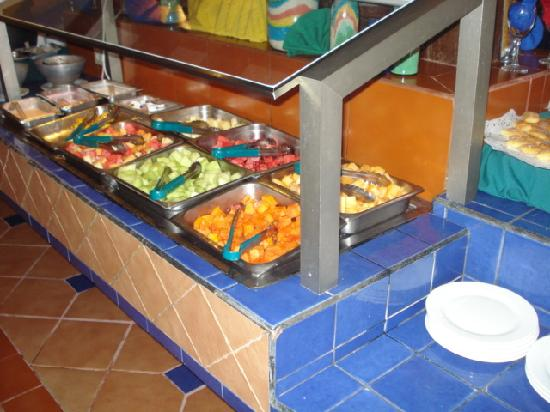 flamingo buffet fresh fruit station picture of flamingo cancun rh tripadvisor com flamingo buffet 24 hours flamingo hotel buffet hours