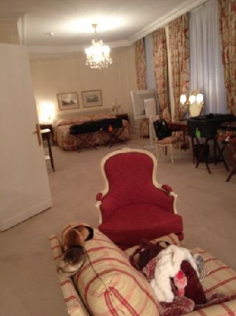 Le Bristol Paris: bedroom