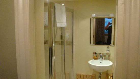 Strandeen Bed and Breakfast: Bathroom for the 1st floor bedroom