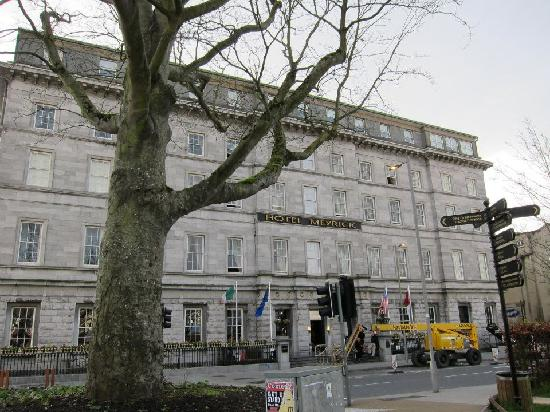 Exteriors Picture Of Hotel Meyrick Galway Tripadvisor