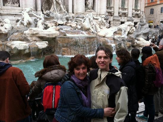 Residenza Arco dei Tolomei: at Trevi Fountain