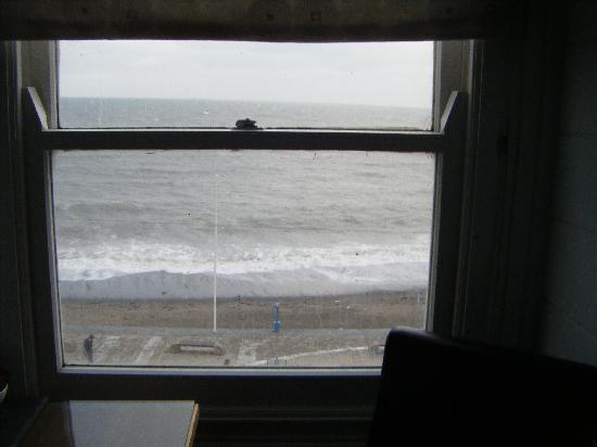 Ty Belgrave House: November sea view