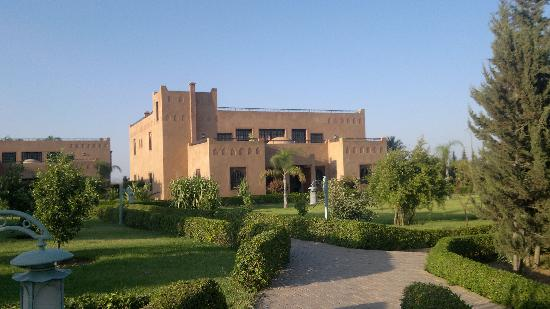 Bled Al Fassia : riad atlas ,vue du jardin