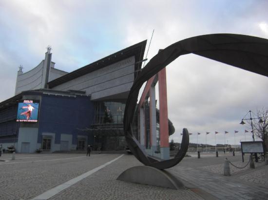 Göteborg Opera (Göteborgsoperan): Outside the Gotheborg Opera.