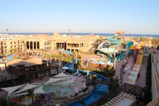 كورال سي سبلاش رزورت: A view of the hotel