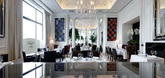 Bolshoi Restaurant - white hall