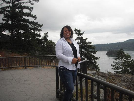 Auld Holland Inn: me at deception pass overlook