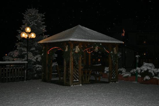 Tevini - Dolomites Charming Hotel: LA PRIMA NEVE