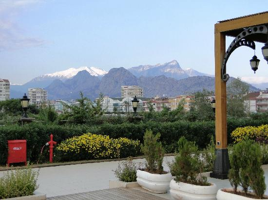 Crowne Plaza Hotel Antalya - view from the recreational area