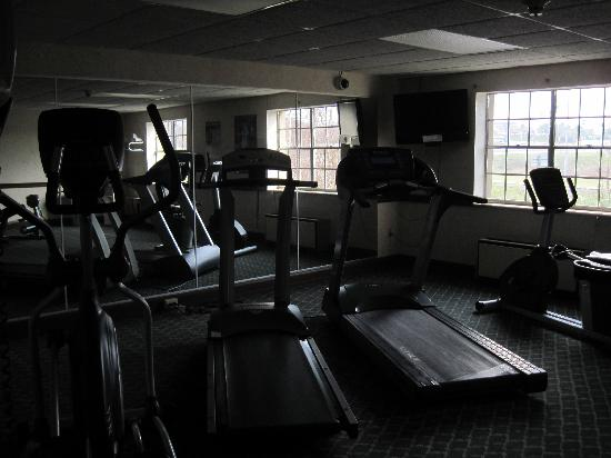 Quality Inn & Conference Center: Gym