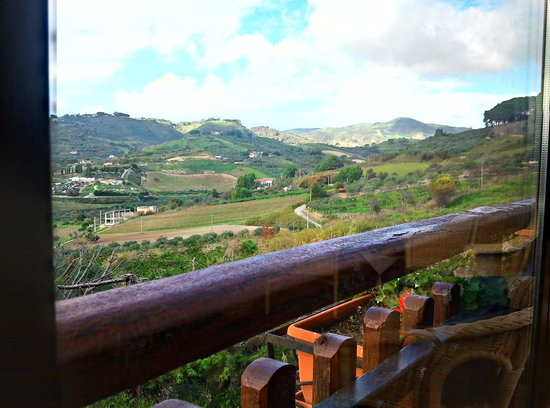 Azienda Agrituristica Settesoldi: The valley as seen from the hotel window