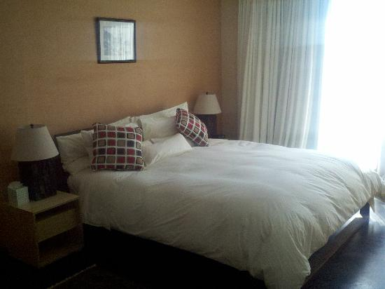 Inn at The Black Olive: Organic Bed, mattress