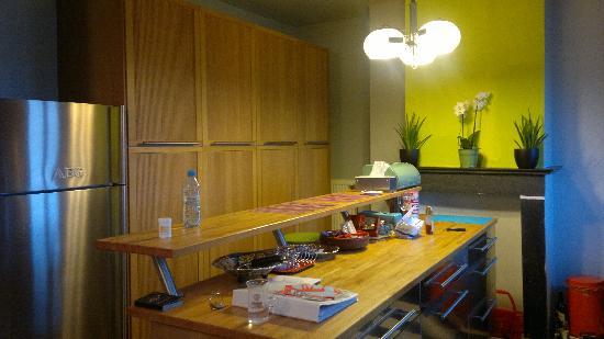 Aviation19 Bed & Breakfast: kitchen