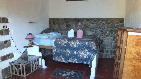 Jinava Hotel & Restaurant: The room!