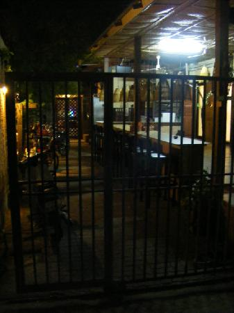Cool Guesthouse: Main entrance from a busy road via guesthouse bar