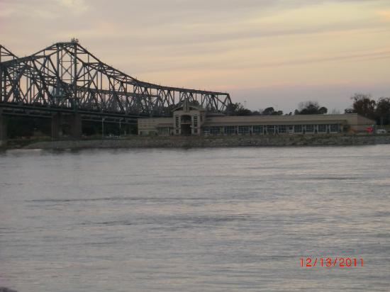 Hampton Inn & Suites Natchez: From our window, 3rd floor, river view.