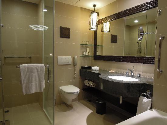 shangri las tanjung aru resort spa big restroom