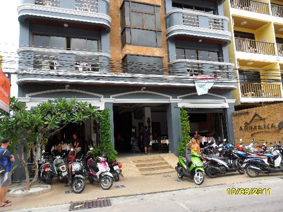 Arimana Hotel: Exterior