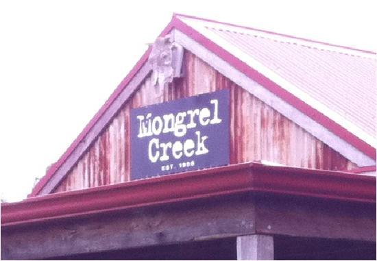 Mongrel Creek Wines: Mongrel Creek roof sign