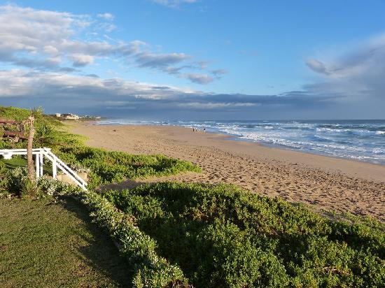 Haus am Strand - On the Beach: Der Strand vor dem Haus