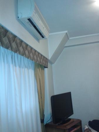 Tritone Hotel: Aire y Tele