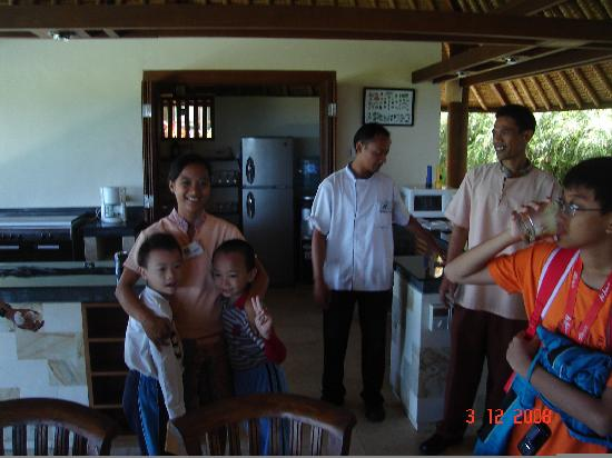 Balivillas.com Estate: Wonderful servants - Villa Bayu