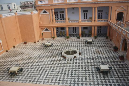 Bulandshahr, India: Courtyard