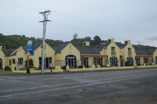 Anchor Inn Motel: view from the seashore