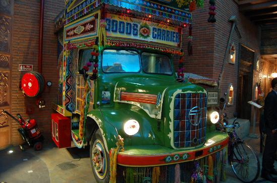 Gurgaon, India: Inside Culture Gully