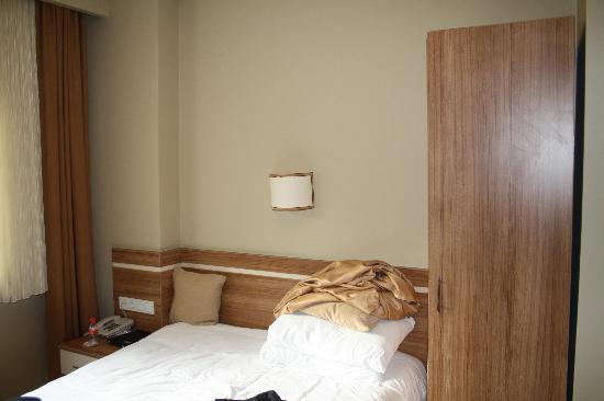 Aura Apart Hotel: hotel room