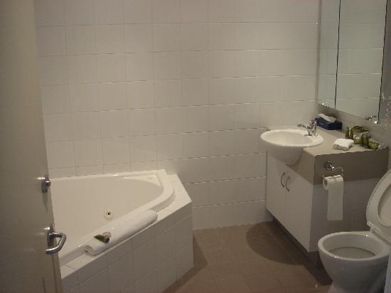 Lady Bay Resort: spa/bathroom