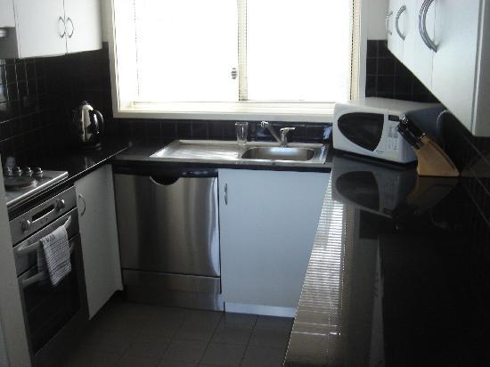 Lady Bay Resort: kitchen