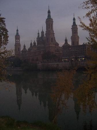 El Ebro: El Pilar Late in the Evening