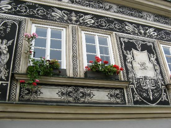 Sightseeing Prague: One of the hidden details you can discover during the tour.