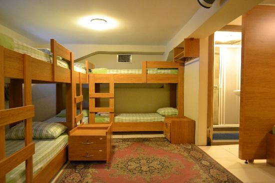 Second Home Hostel: dorm room