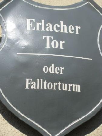 Erlacher Tor: plaque