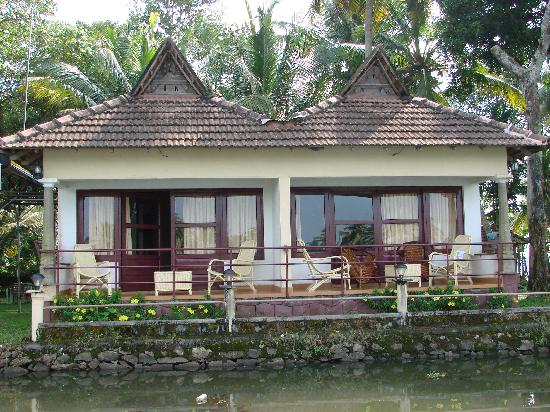 Lake Haven Island Resorts: Back Water View