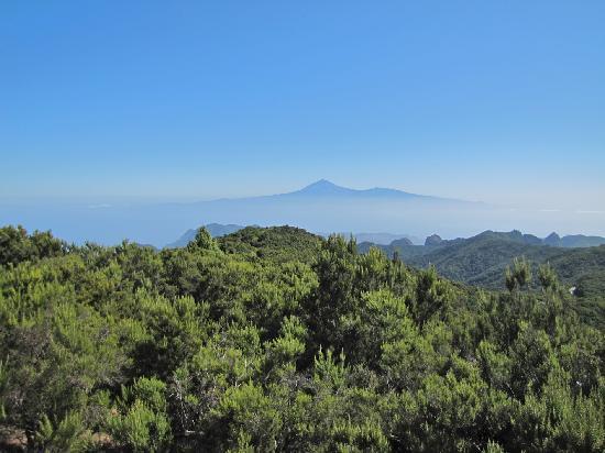 Alto de Garojonay: Blick auf Teneriffa
