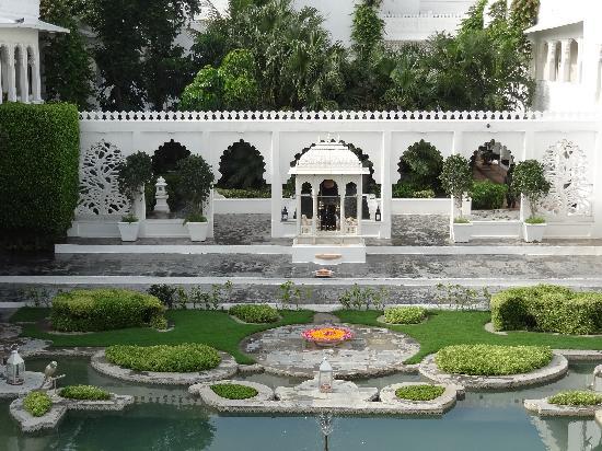 Taj Lake Palace Udaipur: View of hotel