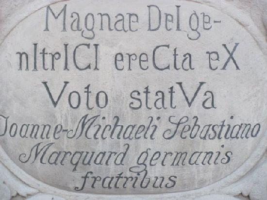 Heiligenfiguren: inscription Mariensäule