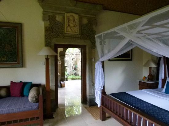 Salle de bain ouverte sur jardin privatif - Picture of Alam ...