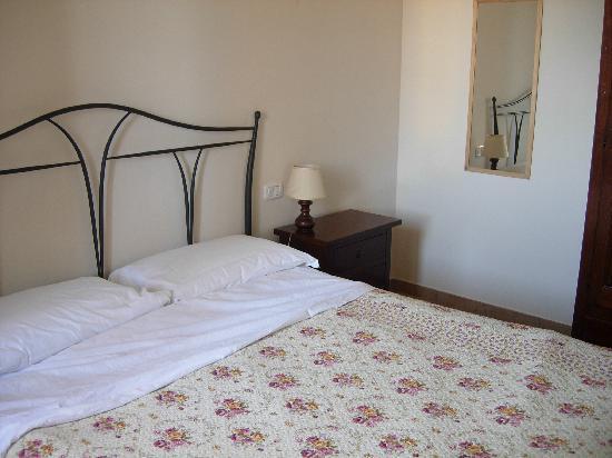 Residence Casale del Conero: letto