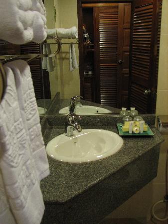 Mito Hotel: bath