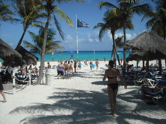 Viva Wyndham Azteca: La spiaggia del resort
