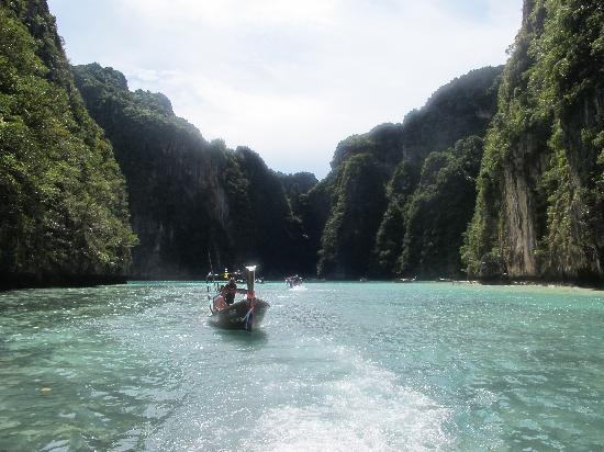 Charter Yachts Phuket : lagoon