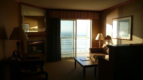 Elizabeth Oceanfront Suites: Room