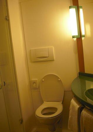 Ibis Bern Expo :                                     Il bagno